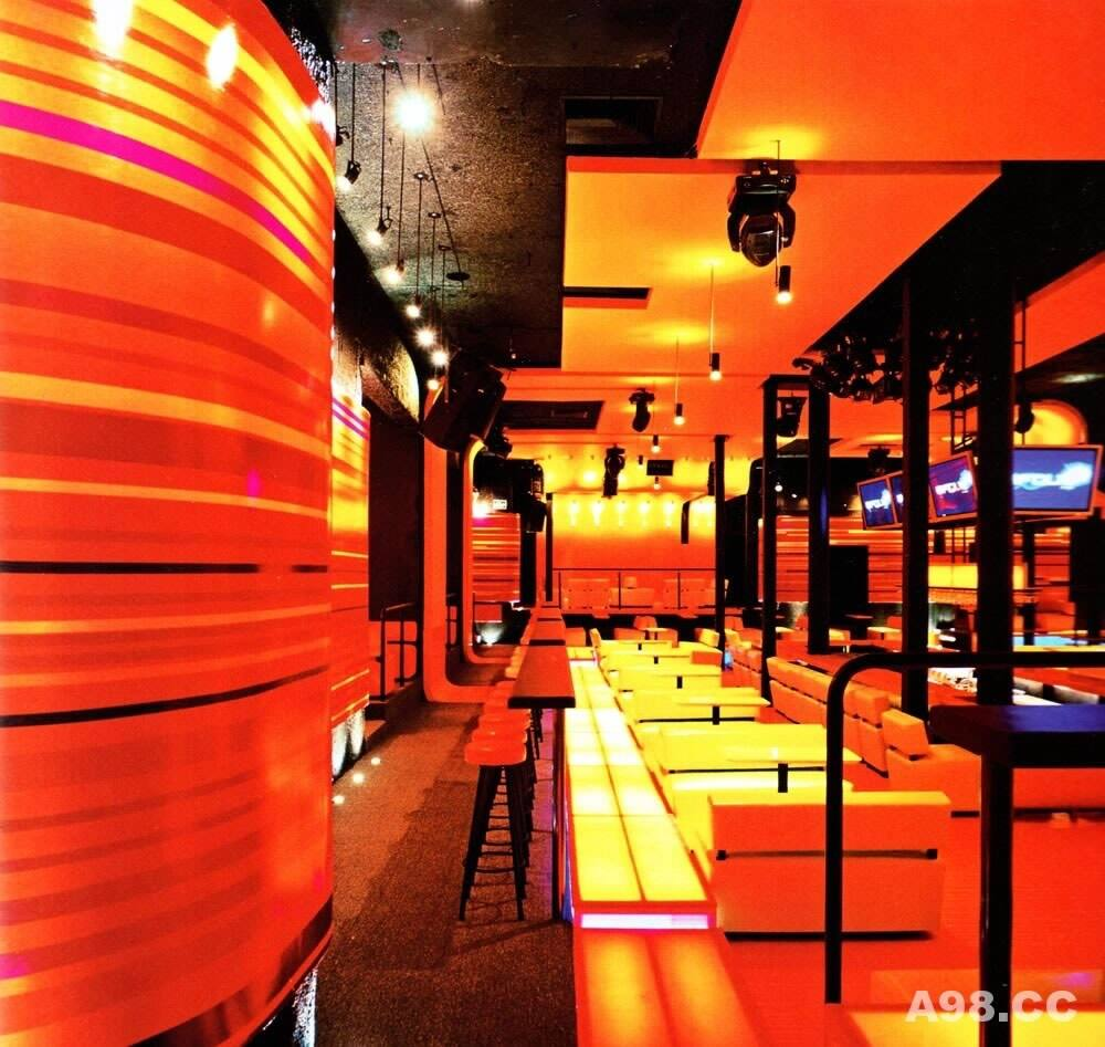 国外最具抽象火辣氛围的酒吧设计(La Folie)