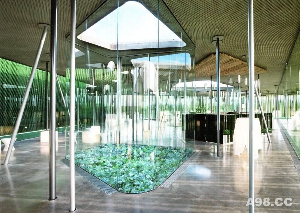 分享国外环保为主题的酒吧设计(Lounge Ms)带你走进