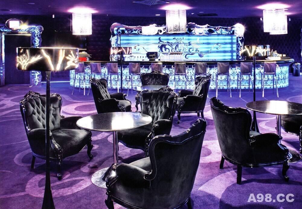 最迷人的酒吧设计(Velvet Bar)