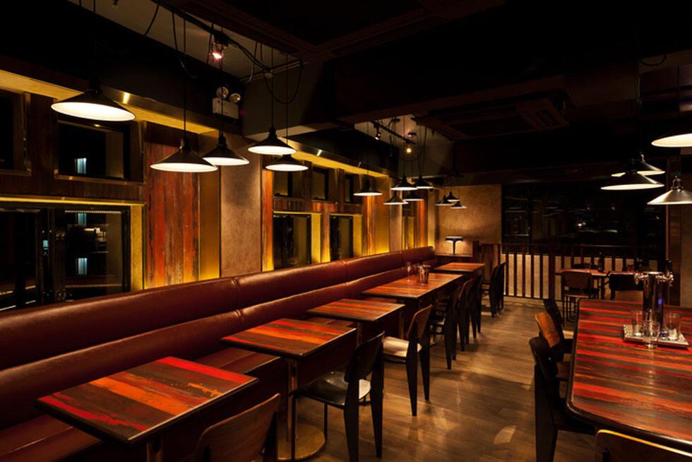 酒吧设计欣赏 家庭休闲风格的现代化清吧空间