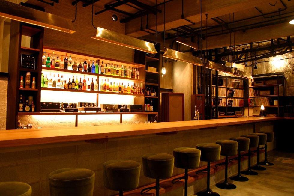 潮童装店装修效果图_小酒吧设计风格