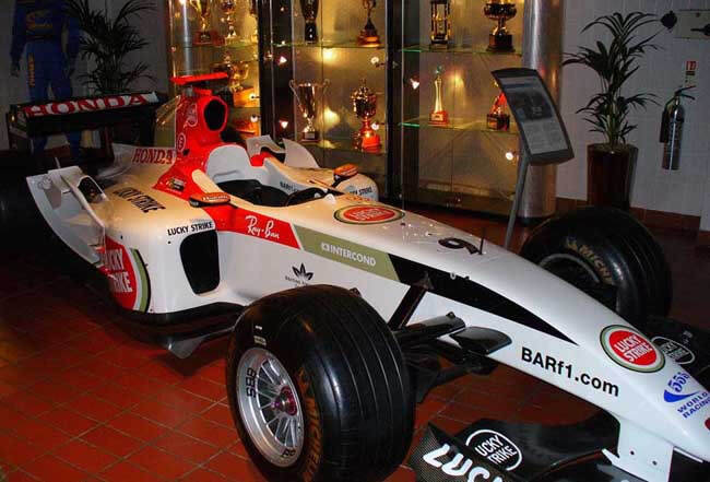 Jenson_Button_2004_BAR_F1_car