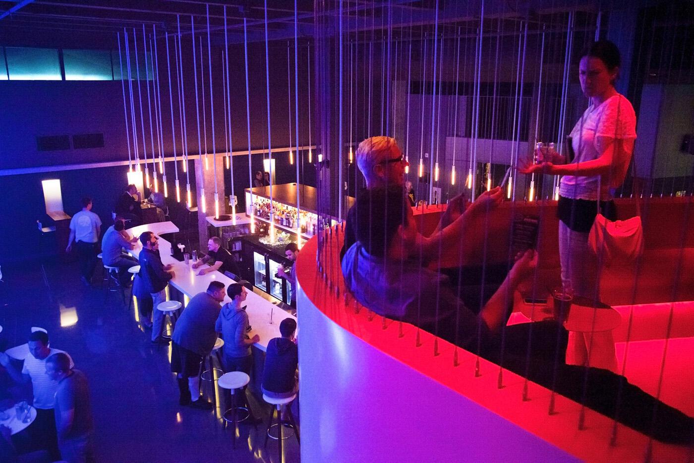 夜·西雅图特色 Q Nightclub 酒吧设计