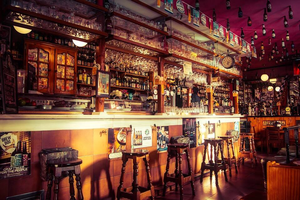 酒吧装修设计-酒吧吧台